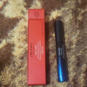 Shiseido black mascara